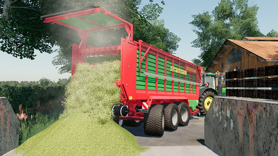 The Strautmann trailer unloading chaff into a silage bunker